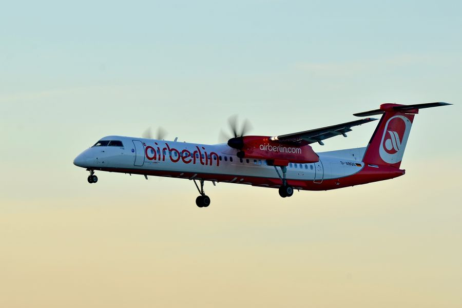 Air-Berlin De Havilland Canada DHC-8-402Q Turboprop im Landeanflug